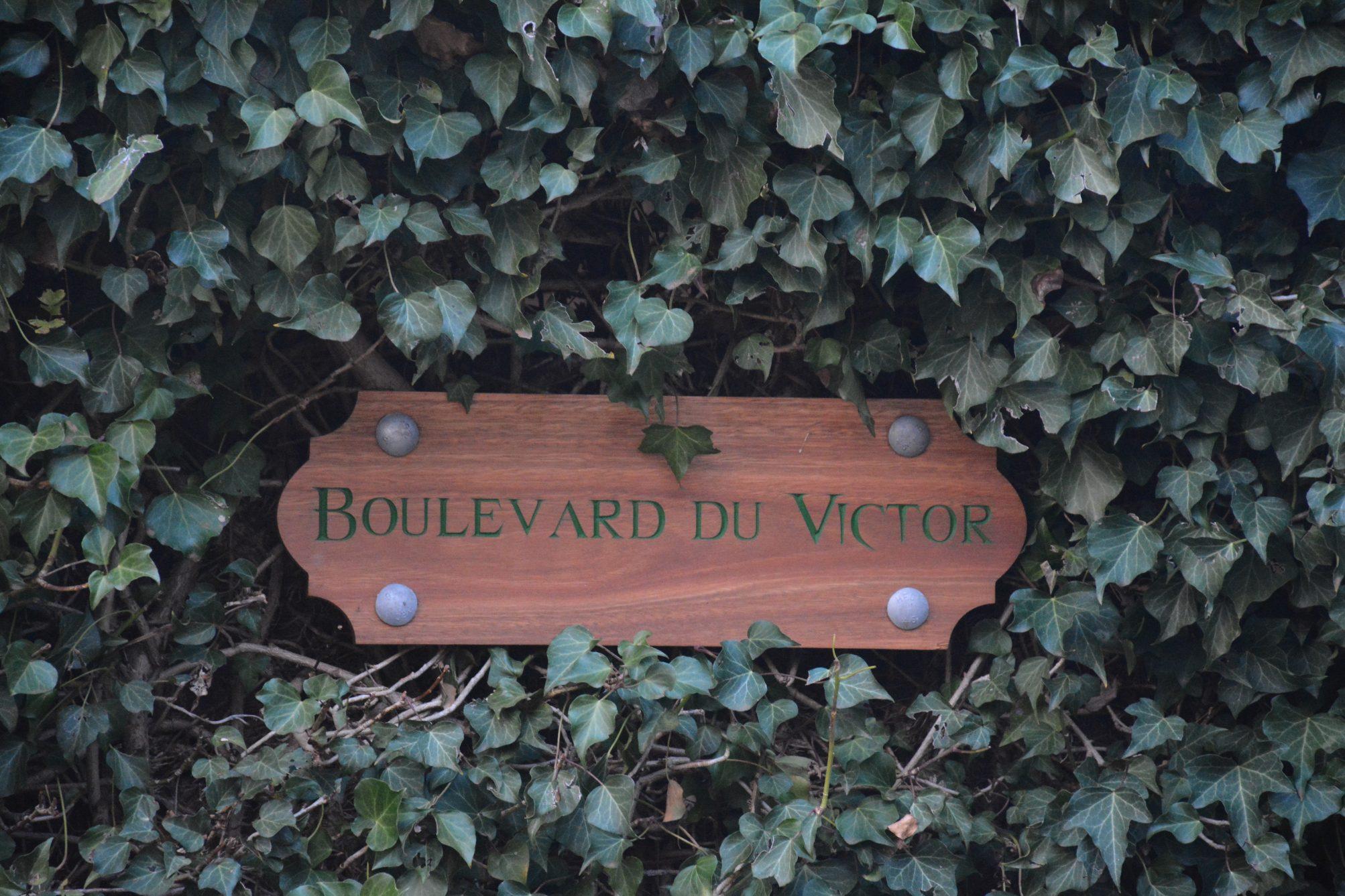 outdoor wooden plaques